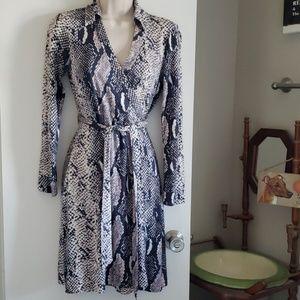 Diane von Furstenberg Wrap Dresd Size 6